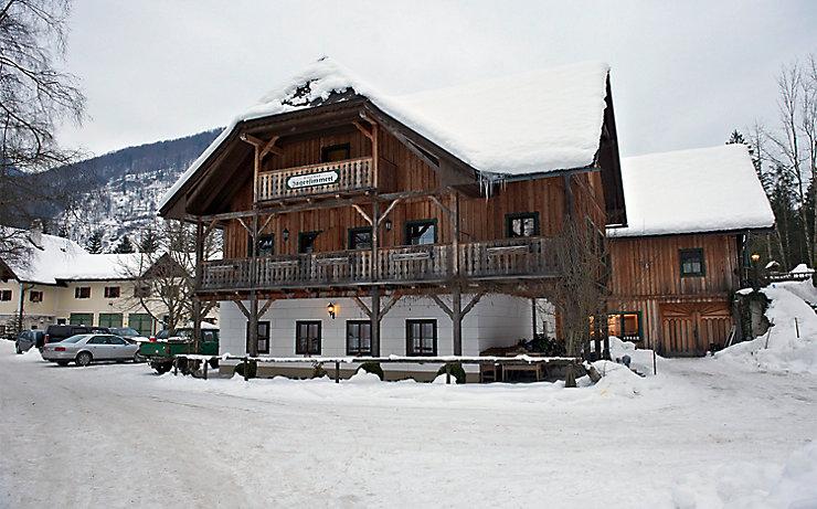 Der Gasthof Jagersimmerl im Winter.