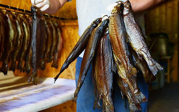 Räucherfisch aus der Herzoglichen Fischzucht