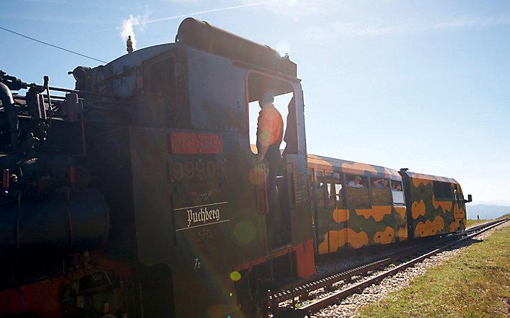 Fahrt mit der Schneebergbahn