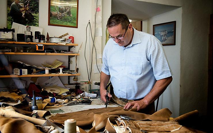 Die Lederhosen von Säcklermeister Michael Unterlerchner trägt man sogar in Australien.