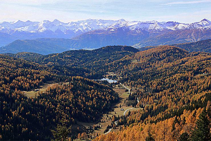 Im Herbst kommt die Schönheit des Bergsteigerdorfes Steirische Krakau besonders gut zur Geltung