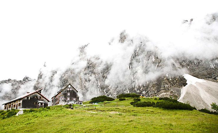 Der Zustieg zur Falkenhütte vom Almdorf Eng dauert in etwa 3 Stunden.