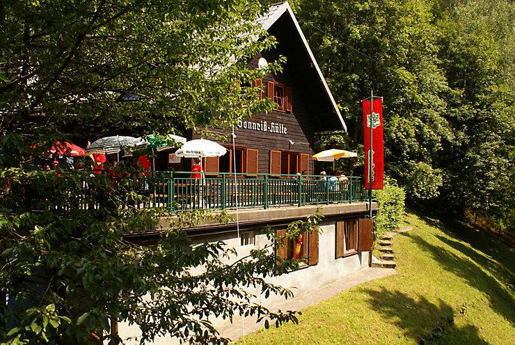 Die Sonnrisshütte in den Ennstaler Alpen in Oberösterreich