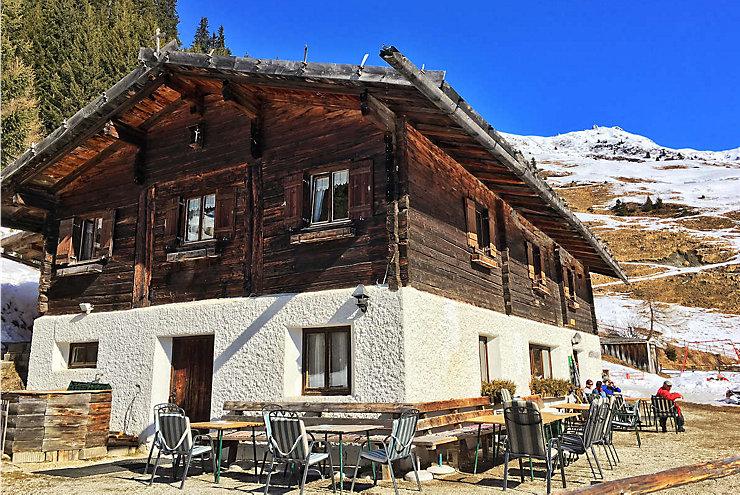 Die urige Peer Alm in den Tuxer Alpen in Tirol