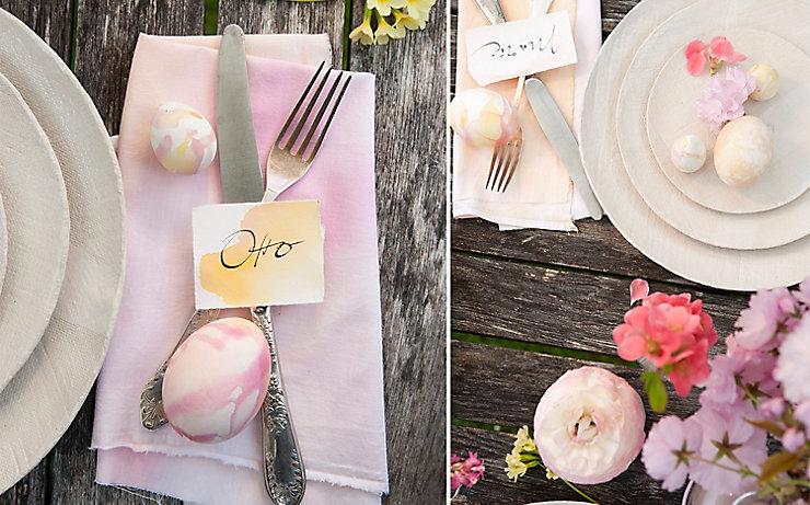 Gedeckter Tisch mit Ostereiern