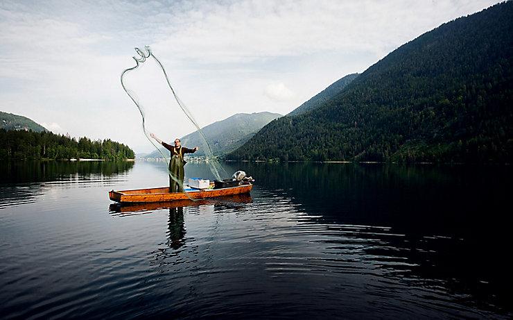 Martin Müller ist der einzige Netzfischer am Weißensee