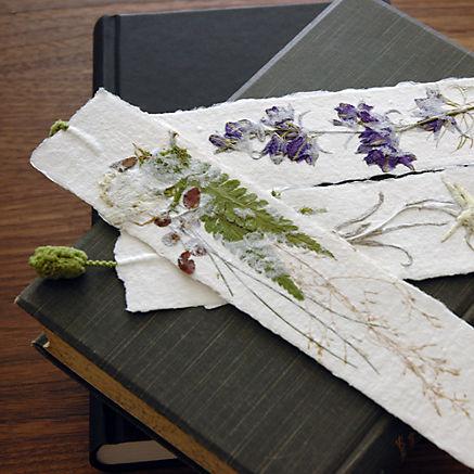 Lesezeichen aus Büttenpapier