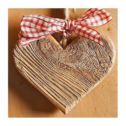 Herzanhänger aus Altholz