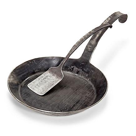 Pfannenwender aus Eisen