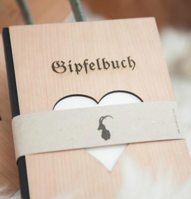 Gipfelbuch mit Holzeinband