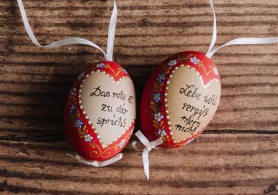 Handbemalte Eier mit Liebesspruch